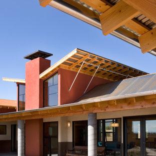 Diseño de fachada roja, industrial, de tamaño medio, a niveles
