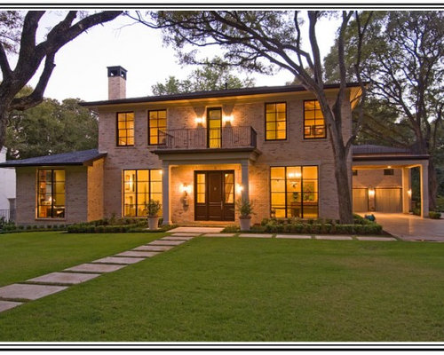 Updated colonial home design ideas renovations photos for Modern colonial home exterior