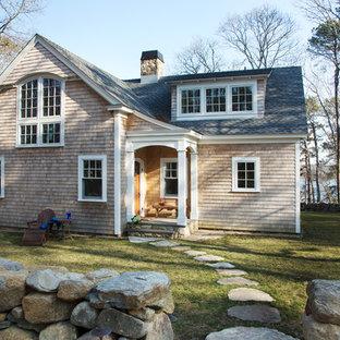 Стильный дизайн: двухэтажный, деревянный дом в викторианском стиле - последний тренд