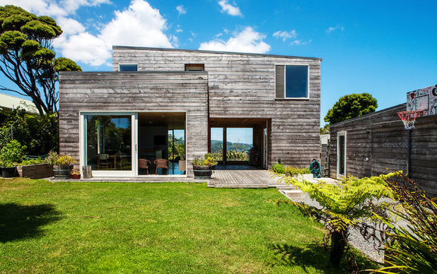 Rustic Exterior by Dorrington Atcheson Architects