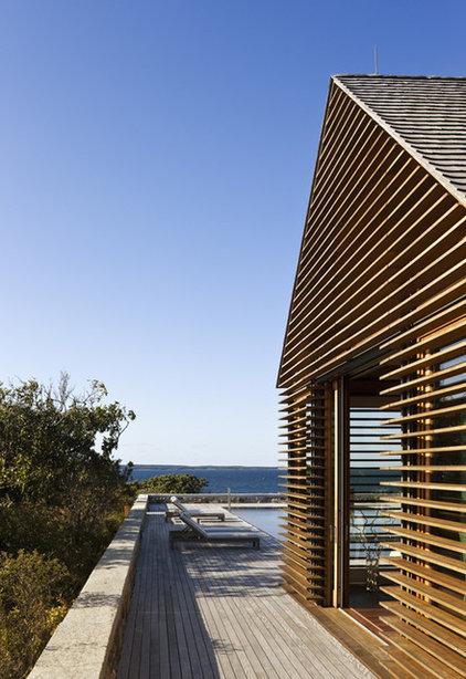 Beach Style Exterior by Ike Kligerman Barkley