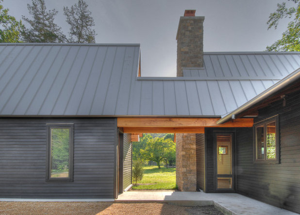 Transitional Exterior by Hefferlin & Kronenberg Architects