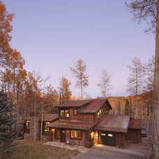Rustic Exterior by TruLinea Architects Inc.