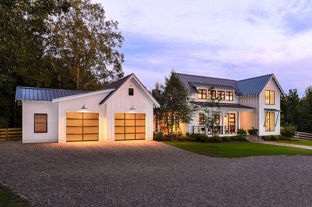 Farmhouse Exterior by Clopay