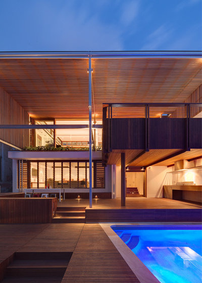 Contemporary Exterior by CplusC Architectural Workshop