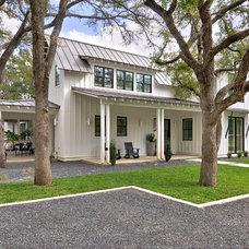 Farmhouse Exterior by DRM Design Group Landscape Architecture & Planning