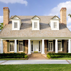Traditional Exterior by The Fechtel Company