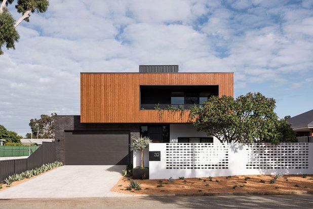Contemporary Exterior by Dalecki Design
