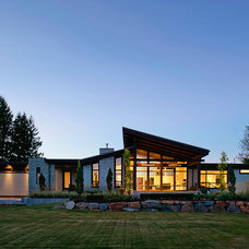 Contemporary Exterior by Rockridge Fine Homes