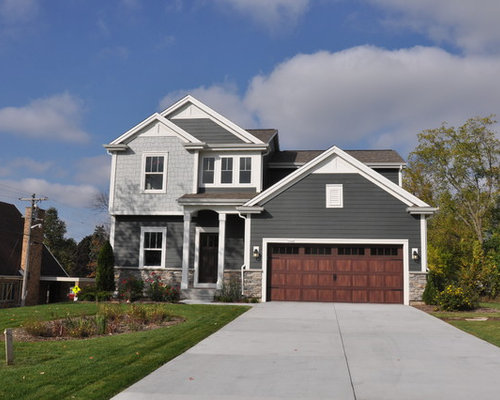Black And Gray Exterior House In Lakeside Grey Vinyl Siding Ideas Pictures Remodel And Decor