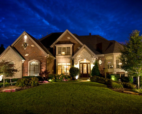 Stone veneer with brick accents houzz for Houses with stone accents