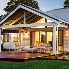 Traditional  by THE RURAL BUILDING COMPANY