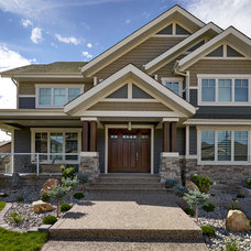 Modern Exterior by Smith Homes