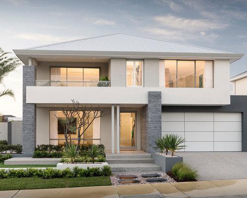 Zweistöckiges, Graues Modernes Einfamilienhaus Mit Mix Fassade, Walmdach  Und Blechdach In Perth