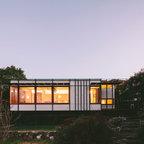 The pod modern living room sydney by takt studio for architecture for Pine garden exeter nh