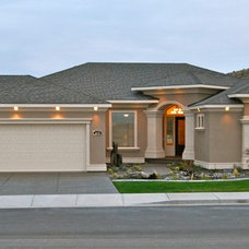 Traditional Exterior by Browning Homes, Inc.