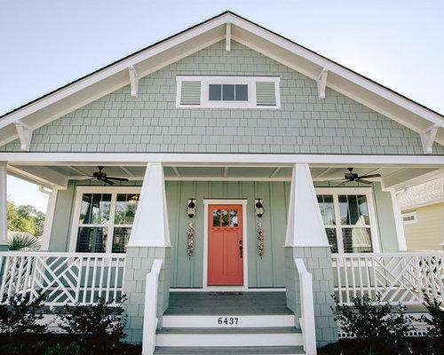 Foto e idee per facciate di case facciata di una casa al for Piccoli piani di casa in cemento