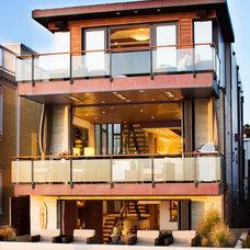 Contemporary Exterior by KKC Fine Homes