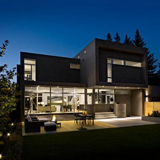 Modern two-story exterior home idea in Edmonton