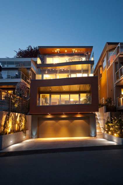 Contemporary Exterior by kbcdevelopments