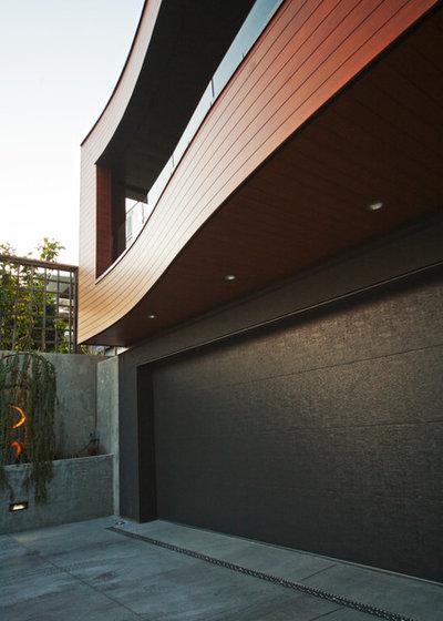 Modern Exterior by KBC Developments