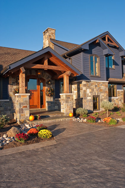 Craftsman Exterior by Design Works Architecture