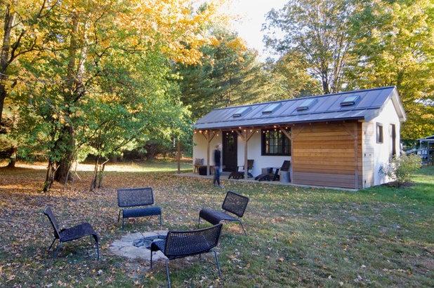 Farmhouse Exterior by Garrison Foundry Architecture + Decor