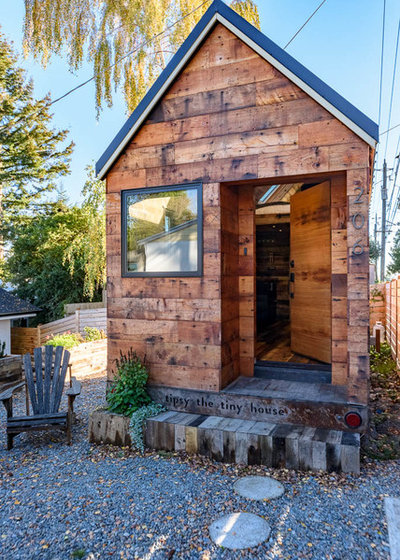 Rustic Exterior by Koontz Architects PLLC