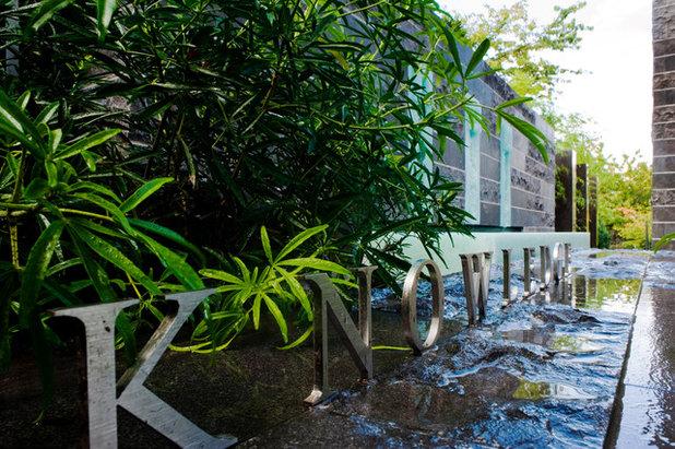 Contemporary Exterior by Paul Sangha Landscape Architecture