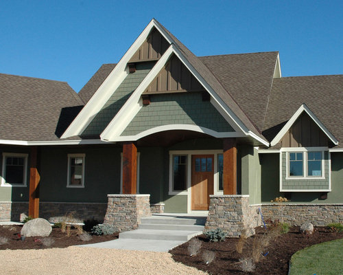 Stucco and wood siding home design ideas pictures remodel and decor - Painting wood siding exterior decor ...