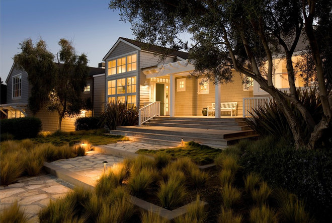 Beach Style Exterior by DD Ford Construction, Inc