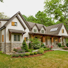 Traditional Exterior by BUILDING IDEAS / David Baird Architect