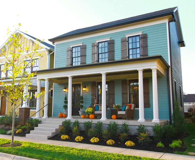 Traditional Exterior by Leslie Lewis & Associates