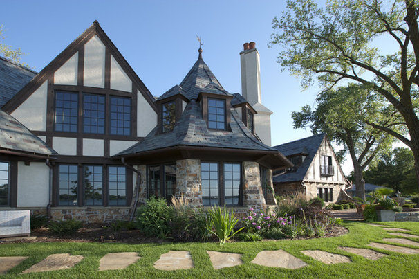 American architecture the elements of tudor style for Tudor house