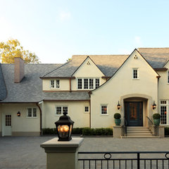 traditional exterior by Richard Manion Architecture Inc.