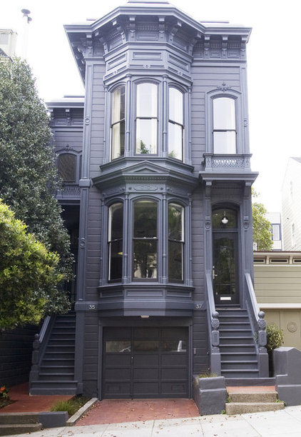 How To Update A Traditional Exterior With Color