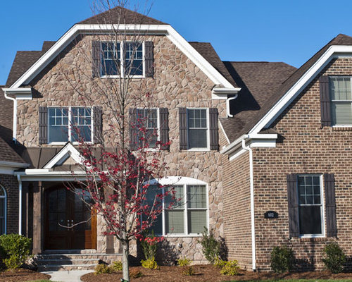 Brick with stone accents home design ideas pictures for Brick traditional homes