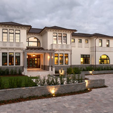 Transitional Exterior by deakins design group