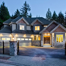 Transitional Exterior by Total 360 Photography