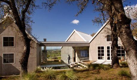 7 Stunning Glass Walkways in Modern Homes