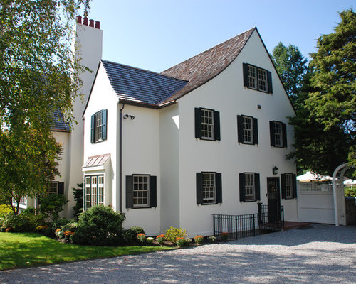 White stucco house houzz - Exterior paint coverage on stucco ...