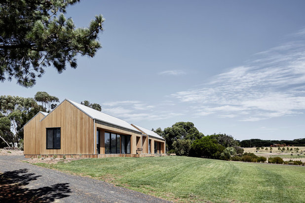 Contemporary Exterior by Tom Robertson Architects