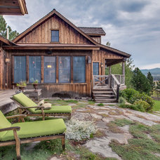 Rustic Exterior by Kealy B Real Estate Team