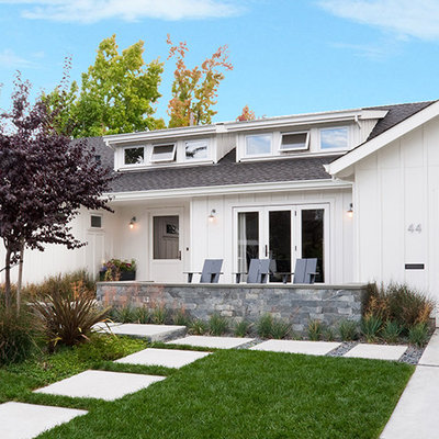 Example of a mid-sized transitional white one-story wood exterior home design in San Francisco