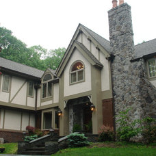 Traditional Exterior by Kenneth/Davis, Inc.