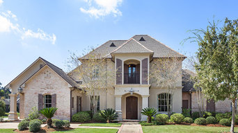 UPSCALE BATON ROUGE HOME IN DESIRABLE GATED COMMUNITY