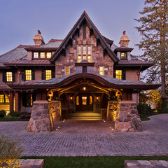 traditional exterior by Meyer & Meyer, Inc.