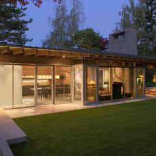 Contemporary Exterior by Suyama Peterson Deguchi