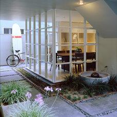 Beach Style Exterior by Shubin + Donaldson Architects, Inc.