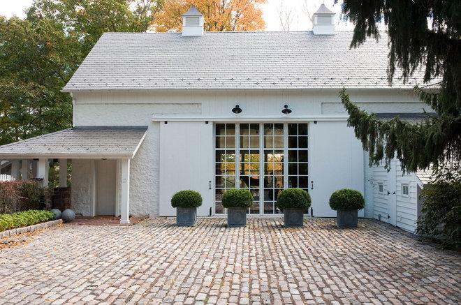 Traditional Exterior by JLF & Associates, Inc.